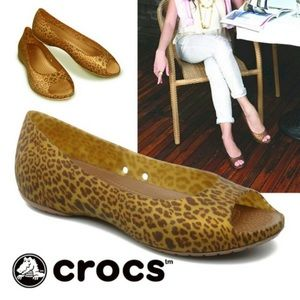Crocs™ Carlie Flat slip-on Animal Wave Cheetah